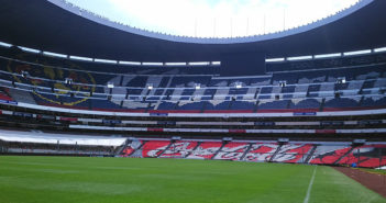 Poor condition of Estadio Azteca field forces NFL to move Chiefs-Rams game